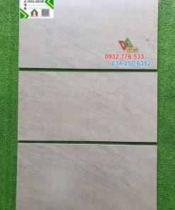 Gạch 30×60 hàng kis đá mờ ốp tường